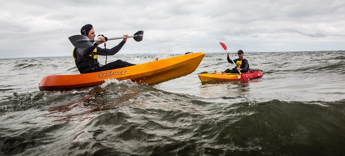 Paddlers in lifejackets